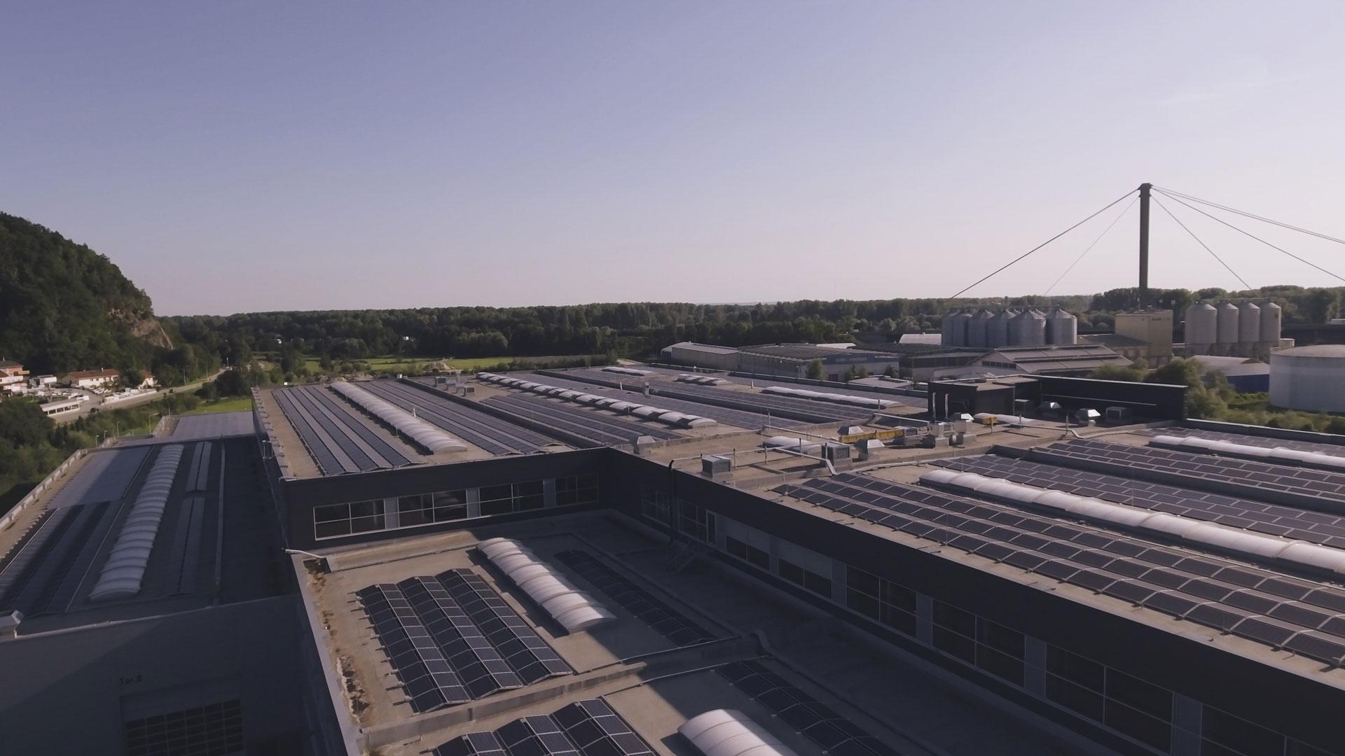 Steicher - Neubau Produktions-/ Lagerhallen mit Bürogeb. in Deggendorf