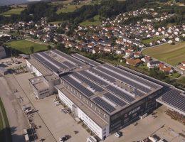 Steicher Neubau Produktions-/ Lagerhallen mit Bürogeb. in Deggendorf